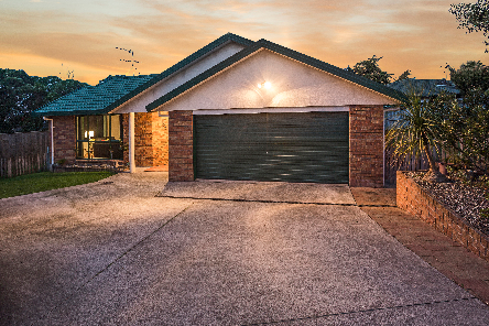 25 Cottesmore Place, Huntington Park, Clare Nicholson, Bayleys Real Estate