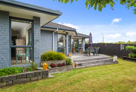 23 Cottesmore Place Huntington Park Clare Nicholson Bayleys