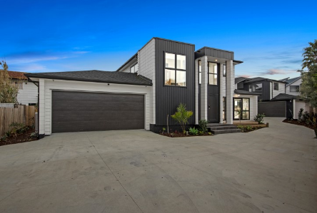 29 Ervine Place Bucklands Beach Clare Nicholson Macleans College zone Bayleys Real Estate